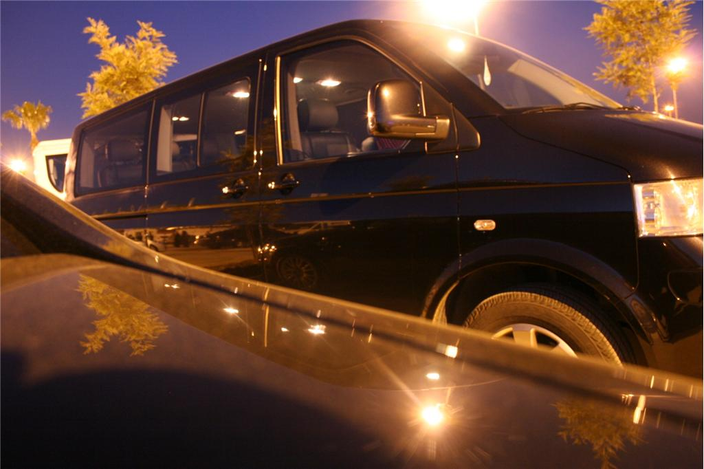 VW Caravelle Minibus VIP Leather Seats 6 1